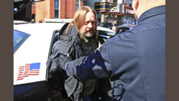 Duluth head shop owner, son charged